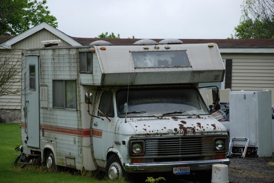 Picture of inoperable/abandoned RV
